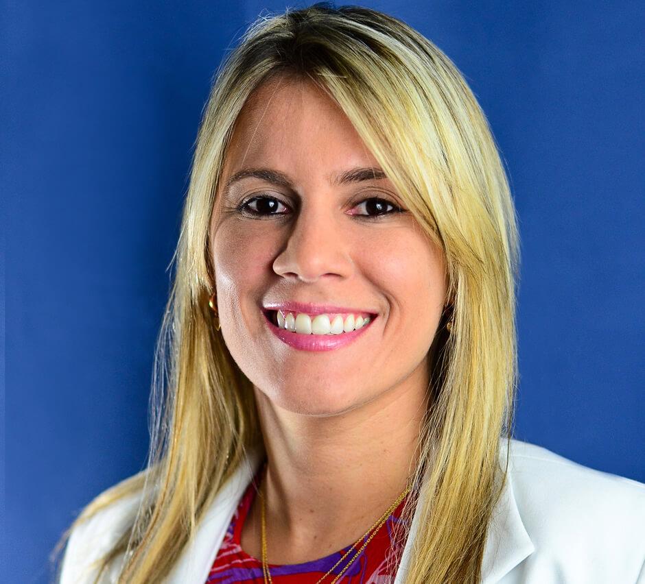Entrevista com a Dra. Sandra Uzêda, autora do livro Super Revisão Dentista - Secretarias de Saúde
