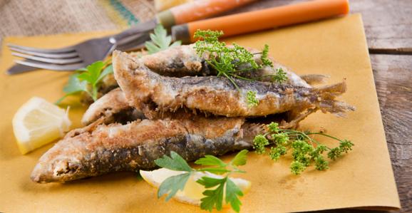 Consumo de peixe ajuda na saúde dos ossos e do coração, diz nutricionista