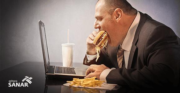Nutricionista afirma que estresse no trabalho engorda