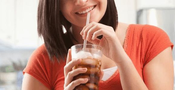 Motivos para evitar o consumo de refrigerante